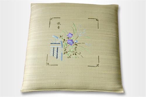 刺绣三层棉座布团T-003